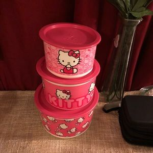 Hello kitty plastic containers X 3 sizes are S,M,L